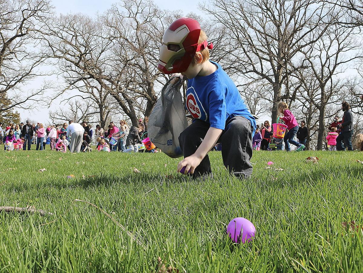 Easter Egg Hunt courtesy of Muscatine Journal (JPG)