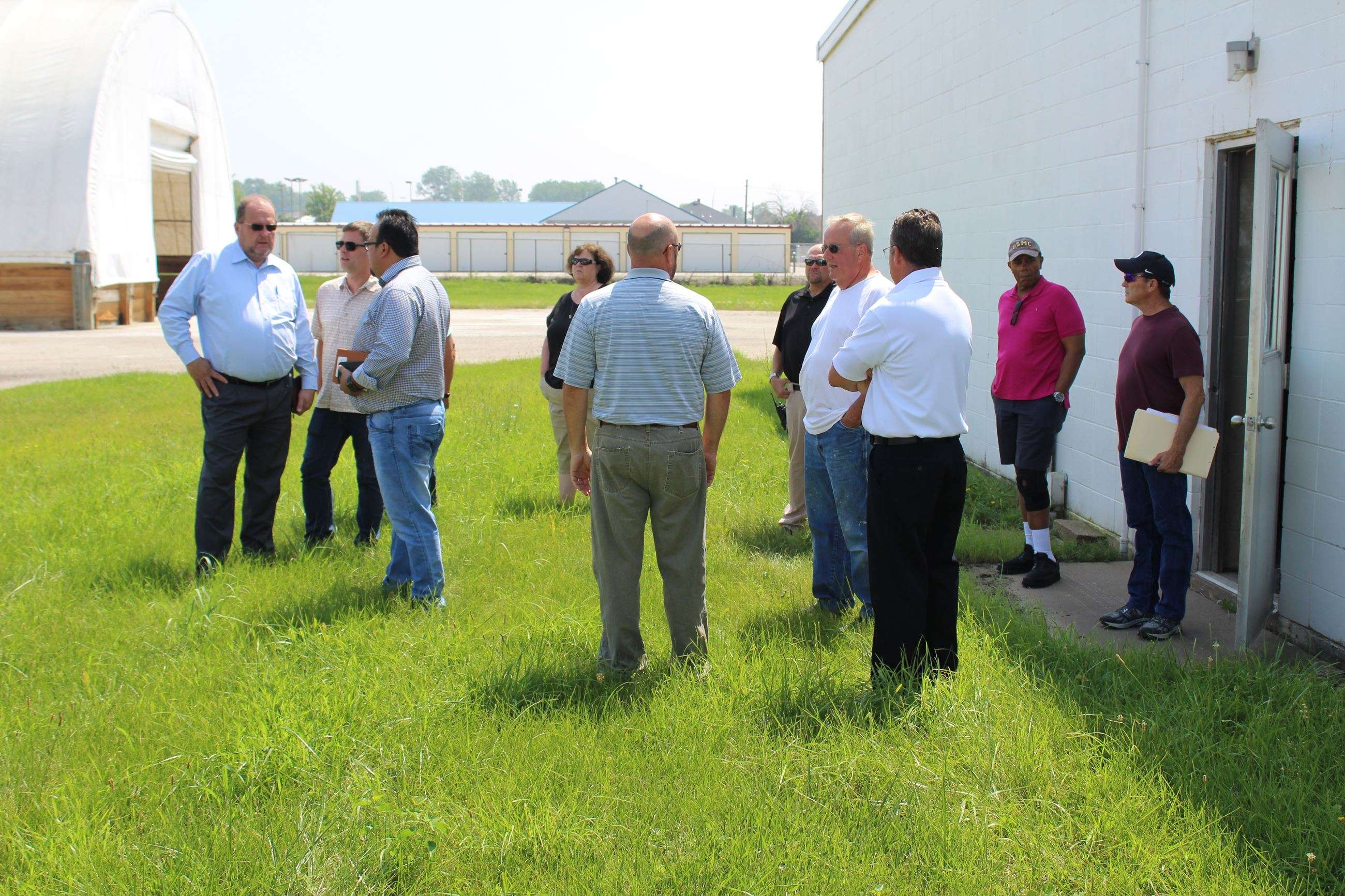 City Council tours former IDOT facility on Lake Park Boulevard 002 (JPG)
