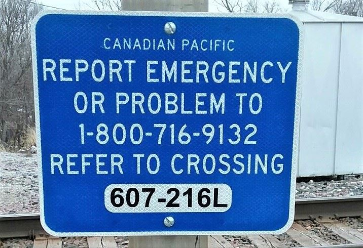 RR Emergency Sign - 33rd Street -cropped