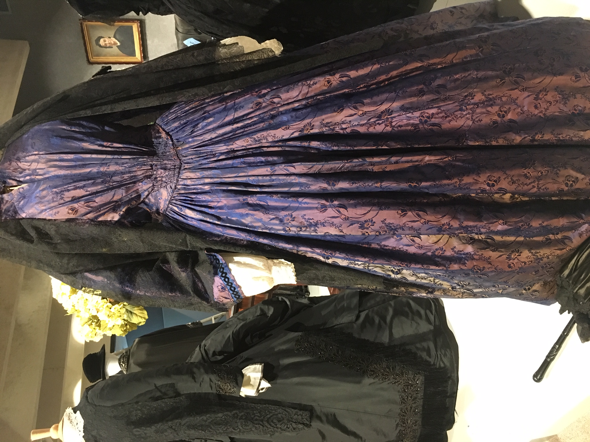 Half-Mourning gown from the Marion Vance Collection (JPG)