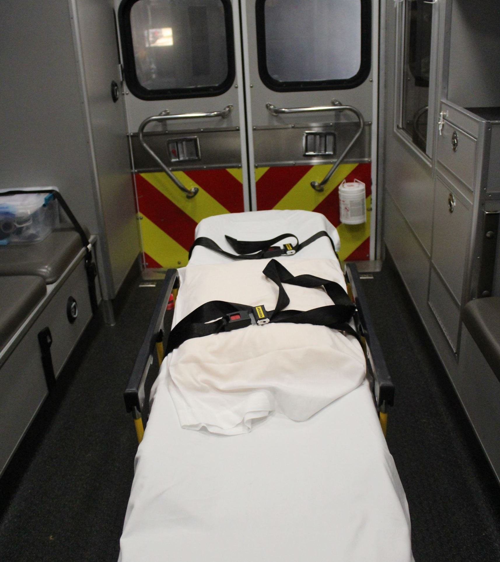 072320 Ambulance Type 1 interior (JPG)